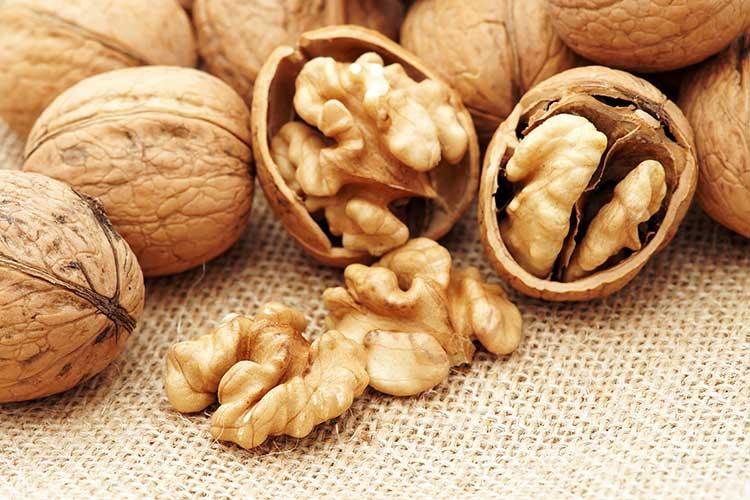 Нужно ли мыть орехи